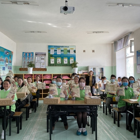 Солонгос улсаас Сонгино хайрхан дүүргийн гурван сургуульд сайн дурын төсөл хэрэгжүүлэхээр боллоо