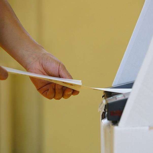 Өнөөдөр Монголд орон нутгийн сонгуулийн санал хураалт эхэллээ