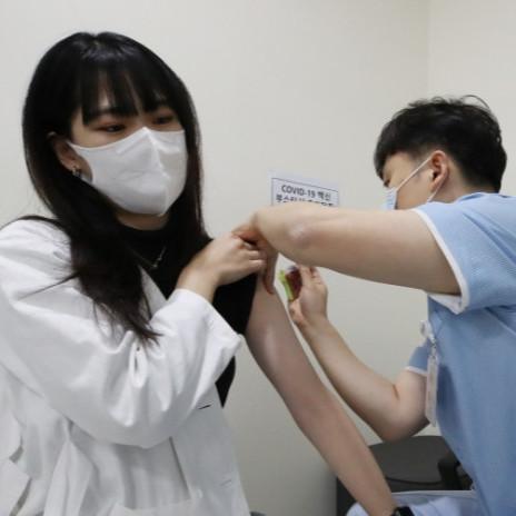 ЯНШЕН (얀센) вакцин хийлгэсэн иргэд нэмэлт вакцин хийлгэнэ